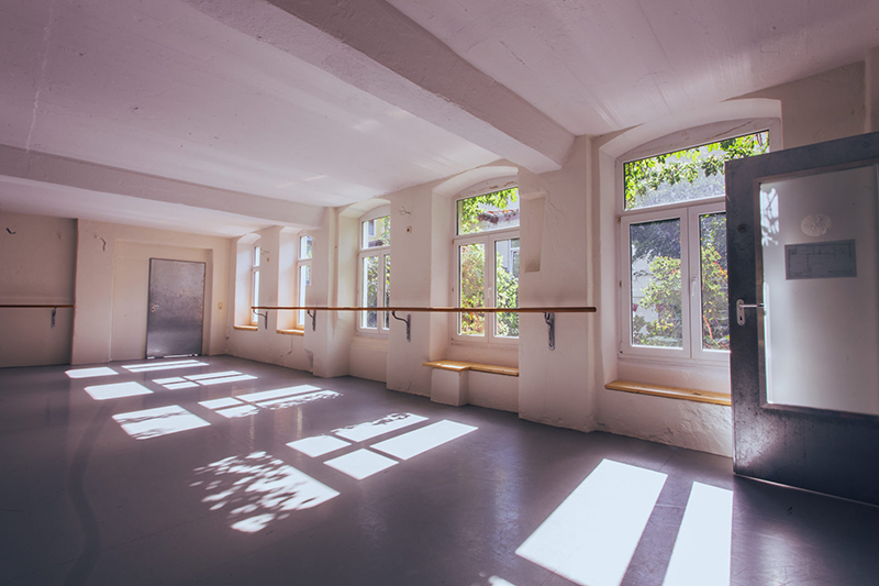 TENZA schmiede Dresden Saal unten Vermietung Studio Feste Feiern Workshops Tagungen